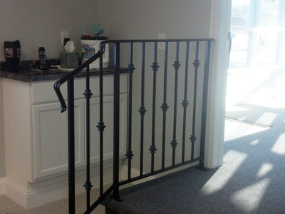 I50 Interior Iron Railing with Collars