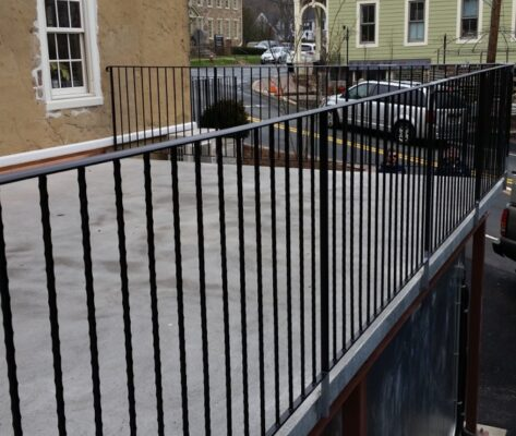 B4 Patio Hammered Picket Railing