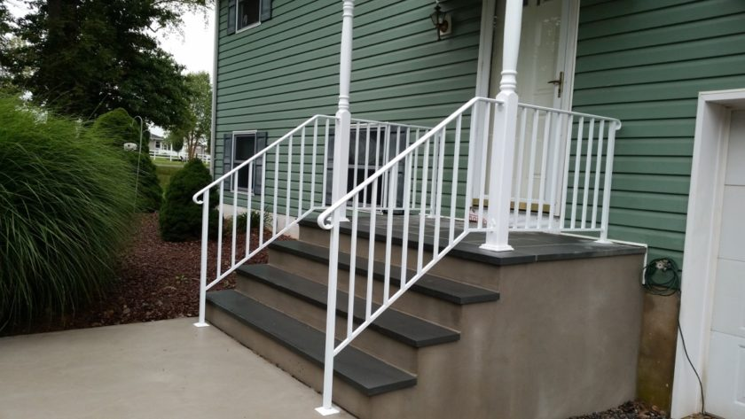 EC5 Exterior Basic White Aluminum Railings